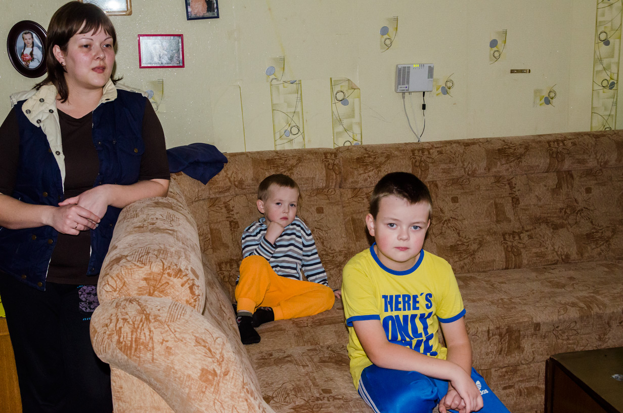 Familie 5 personer, heraf 2 epilepsiramte børn, fattige kår
